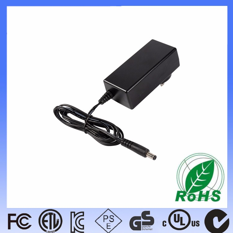 What are the precautions for connecting the three-plug power cord